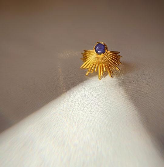 Regulowany pierścionek z tanzanitem Orion - Iluzja Jewellery - cień
