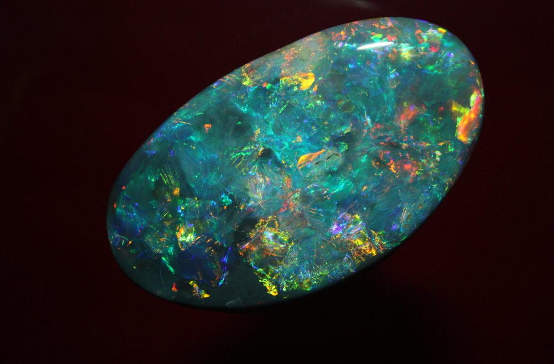 Biżuteria z opalem szlachetnym. Piękny kamień.Opal tęczowy