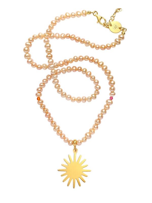 Różowy naszyjnik ze słońcem i perłami Delightful Sun - Iluzja Jewellery
